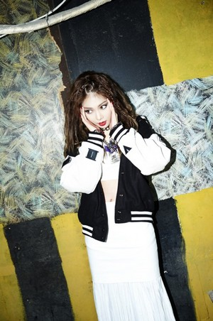 HyunA teaser photo styled by Gayoon