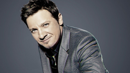 Jeremy Renner wallpaper with a business suit entitled Jeremy Renner Hosts SNL: November 17, 2012