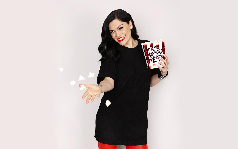 Jessie J smiley