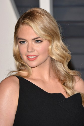 Kate Upton Hintergrund containing a portrait titled Kate Upton