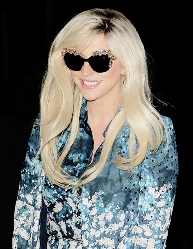 ke$ha wallpaper with sunglasses called Kesha Rose