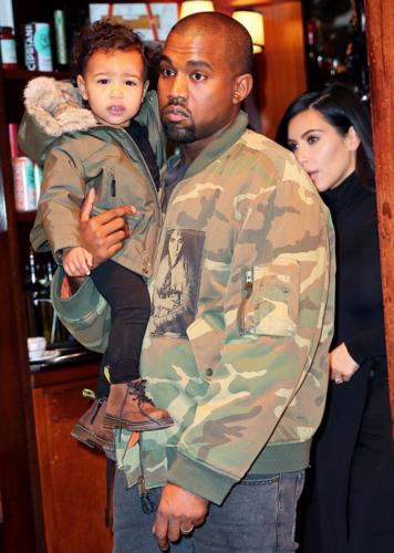 Kim Kardashian wallpaper containing a green beret, fatigues, and battle dress entitled Kim Fan Art