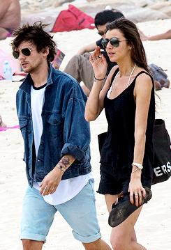 Louis and Eleanor at Bondi pantai