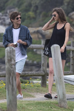 Louis and Eleanor at Bondi spiaggia