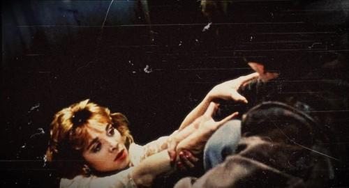 Kim Cattrall karatasi la kupamba ukuta called Mannequin (1987)