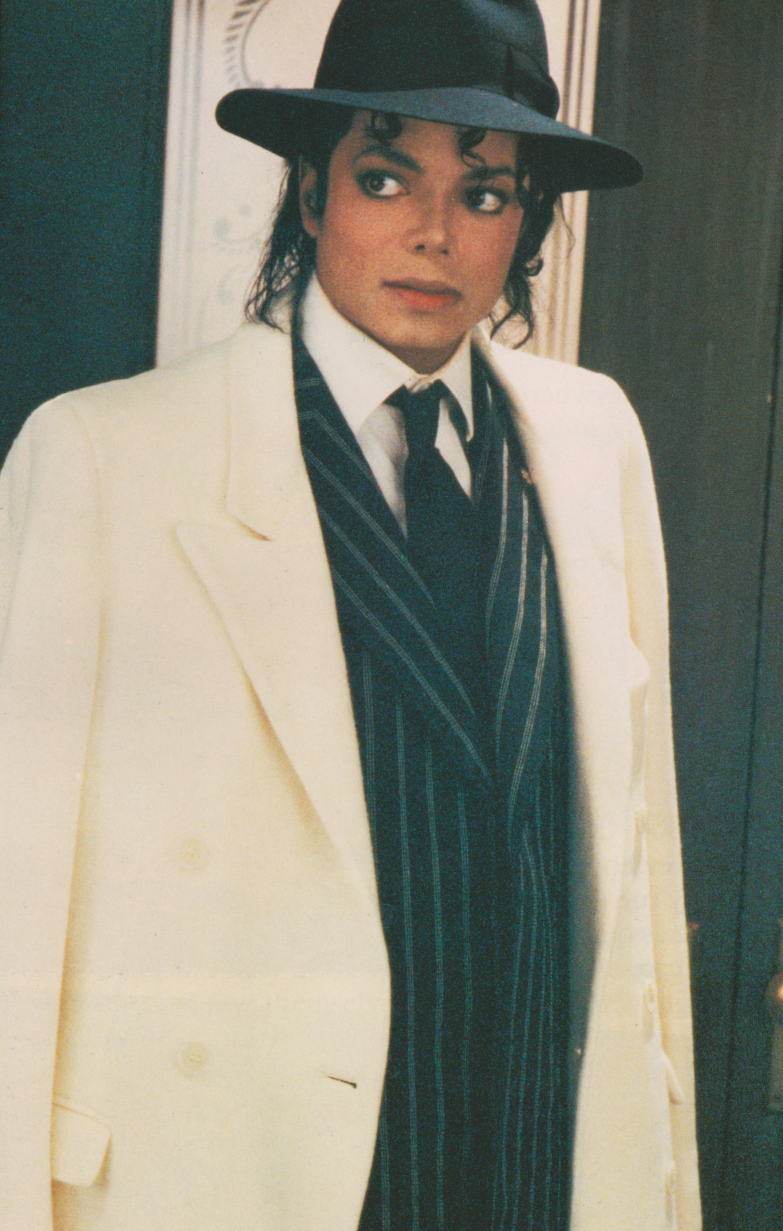 Michael Jackson - HQ Scan - Moonwalker