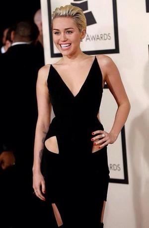 Miley 2015 Grammys