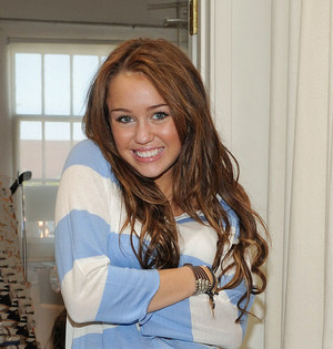 Miley Cyrus Makes Me Feel Alive IX