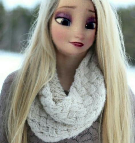 ফ্রোজেন দেওয়ালপত্র called Modern Elsa