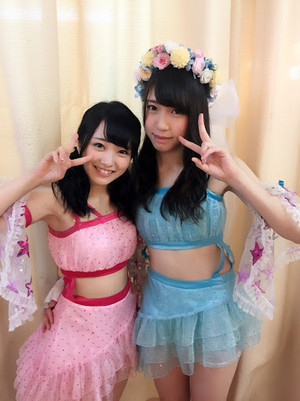Mukaichi Mion and Mogi Shinobu