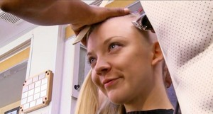 Natalie Dormer's head get shaved for Mockingjay