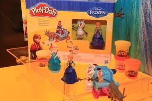 New Frozen Merchandise anteprima