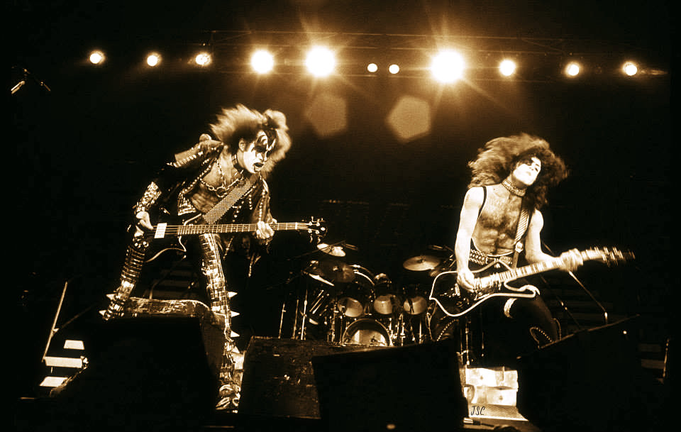 Paul Stanley and Gene Simmons 1977
