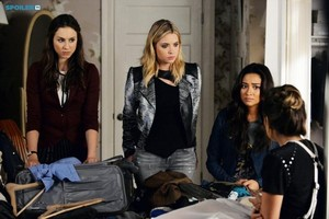 Pretty Little Liars - Episode 5.21 - Bloody Hell - Promo Pics