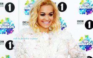 Rita Ora Hintergrund