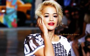 Rita Ora karatasi la kupamba ukuta