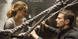 """See Tris And Four Defy Gravity In The Final """"Insurgent"""" Poster"""