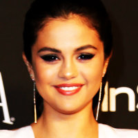 Selena アイコン