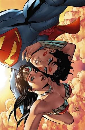 Superman/Wonder Woman selfie cover