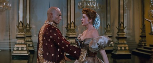 Yul Brynner দেওয়ালপত্র probably with a bridesmaid, a kirtle, and a polonaise called The King and I