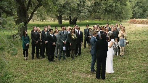 The Mentalist Обои probably containing a business suit, a full dress uniform, and a оркестрант, bandsman called The Mentalist- 7.13 White Orchids -Series Finale