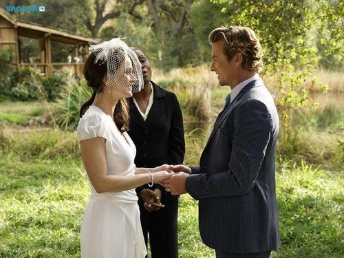 The Mentalist wallpaper containing a business suit entitled The Mentalist - Episode 7.13 - White Orchids (Series Finale) - First Look Wedding Photos