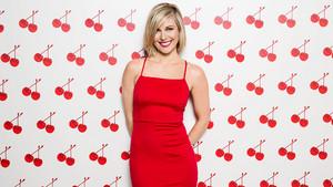Valentine's siku Divas 2015 - Renee Young