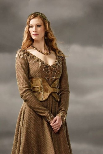 Vikings (TV Series) karatasi la kupamba ukuta possibly with a kirtle and a polonaise titled Vikings Princess Aslaug Season 3 official picture