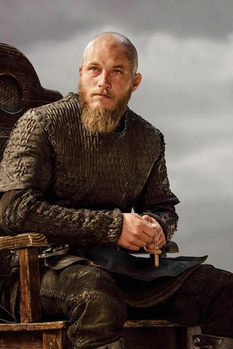 Vikings (TV Series) karatasi la kupamba ukuta probably with a hip boot entitled Vikings Ragnar Lothbrok Season 3 official picture