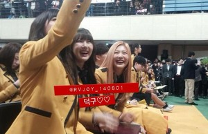 Yerin with Apink's Hayoung and Red Velvet's Joy