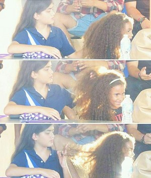 blanket jackson playing with his cousin deedee jackson's hair