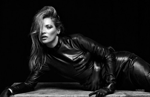Kate Moss wallpaper with a hip boot titled Kate Moss