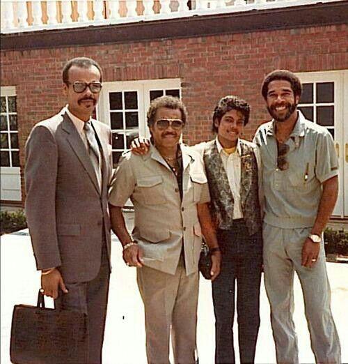 joe jackson, michael jackson with 2 men