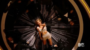 spin taylor snel, swift