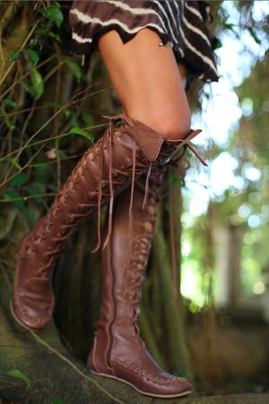 woodsy brown फीता up boots