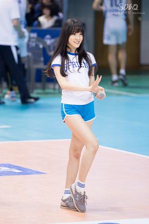 150308 Gfriend Yuju mpira wa wavu