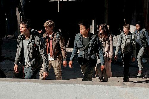 The Maze Runner kertas dinding with a green beret, a rifleman, seragam, and maklumat titled New Still - The Scorch Trials