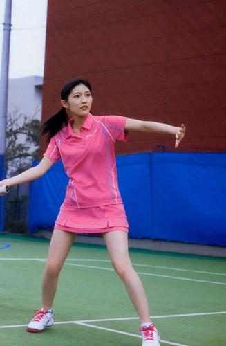 Watanabe Mayu 壁紙 with a テニス pro called 渡辺麻友「制服図鑑 最後の制服」