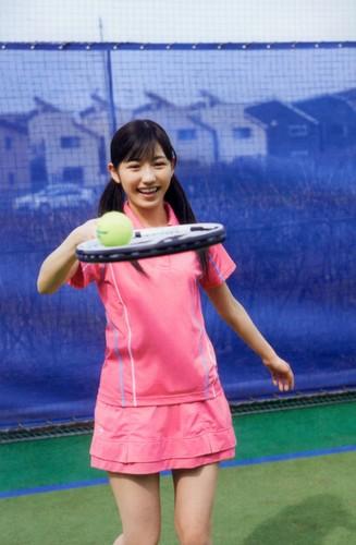 Watanabe Mayu 壁紙 titled 渡辺麻友「制服図鑑 最後の制服」