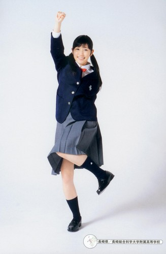 Watanabe Mayu 壁紙 probably with an outerwear and a hip boot called 渡辺麻友「制服図鑑 最後の制服」
