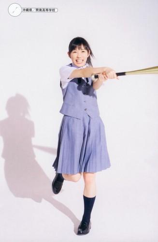 Watanabe Mayu 壁紙 entitled 渡辺麻友「制服図鑑 最後の制服」