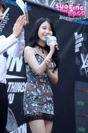 140809 IU on the KCON 2014 Red Carpet Los Angeles, California