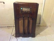 1941 Console radio