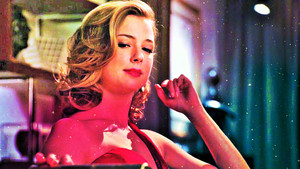 Amanda Clarke\Emily Thorne wallpaper