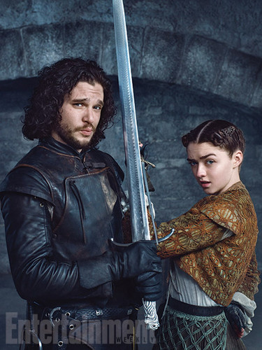 艾莉亚·史塔克 壁纸 possibly with a sign titled Arya Stark and Jon Snow Season 5