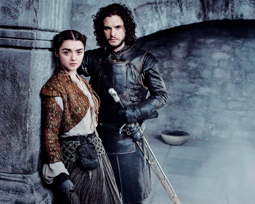 Game of Thrones wallpaper with a surcoat entitled Arya Stark and Jon Snow Season 5