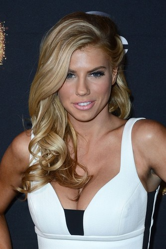 charlotte McKinney wallpaper probably with attractiveness, a bustier, and a portrait titled charlotte McKinney