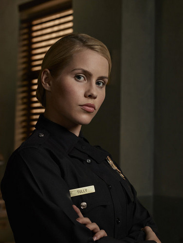 Teen テレビ shows 壁紙 with a green ベレー, ベレー帽 called Claire Holt as Charmain Tully - Aquarius