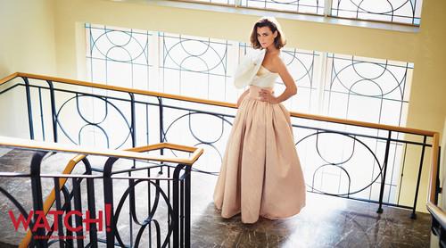 코트 드 파블로 바탕화면 probably containing a 공식 만찬, 저녁 식사 dress, a gown, and a bridesmaid titled Cote de Pablo// CBS Watch Magazine 2015