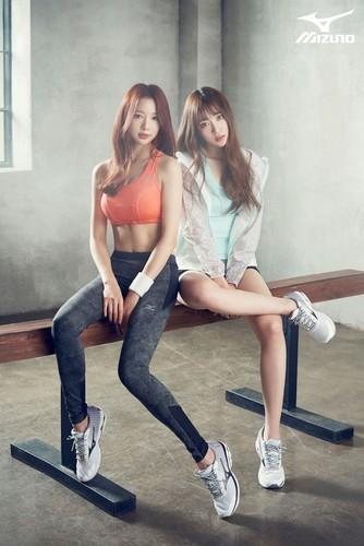 "EXID (이엑스아이디) achtergrond titled EXID ""MIZUNO SPORTS"""